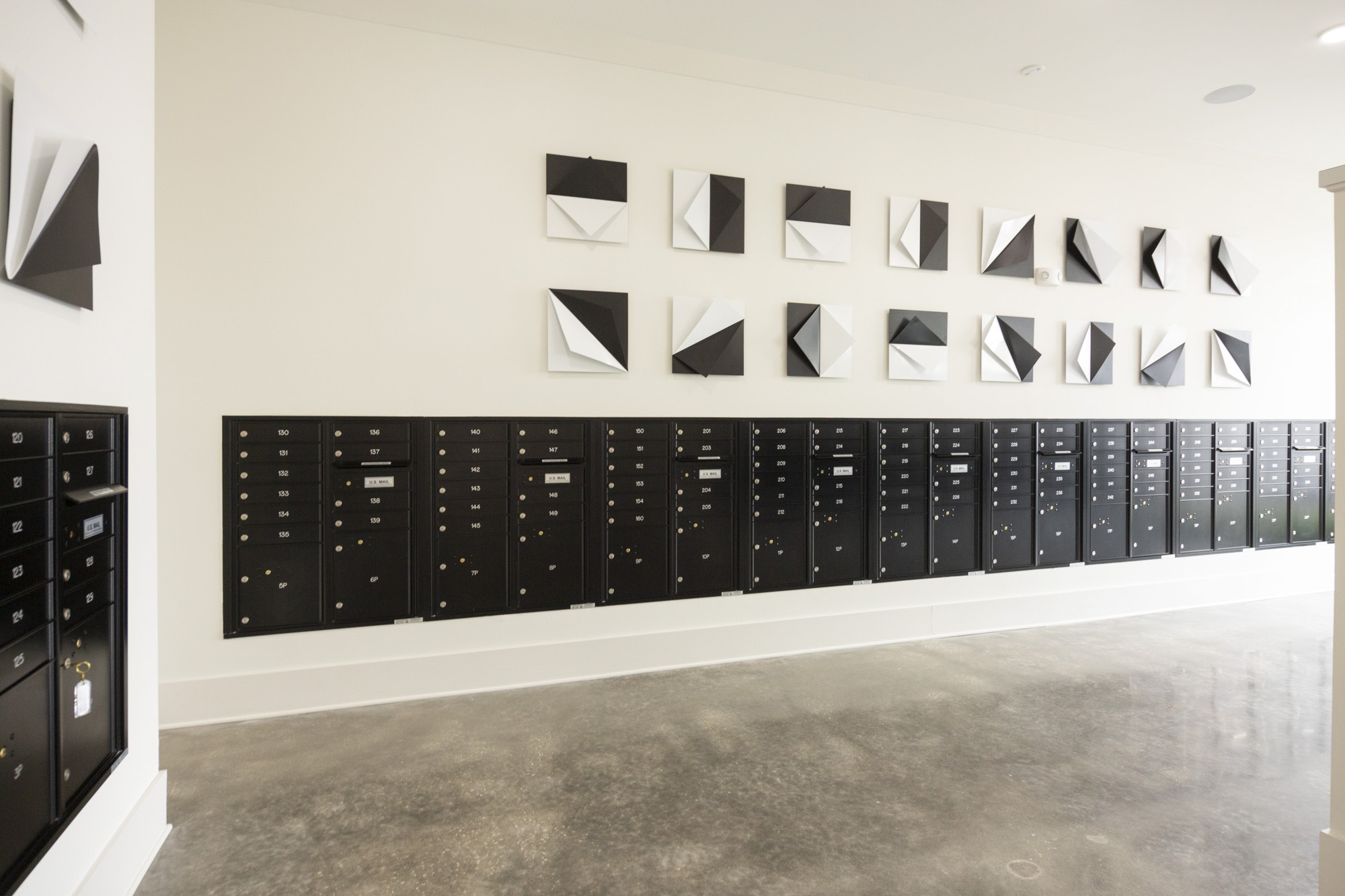 27 Mail Room